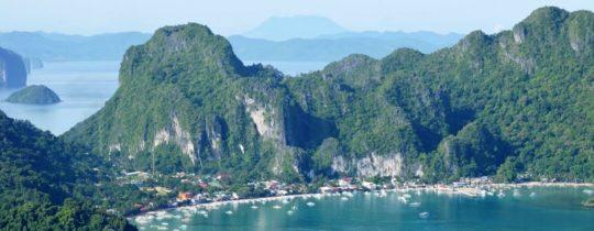El Nido Town in de Bacuit Bay - Palawan, Filipijnen