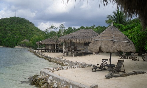 Kamers op het strand van Resort M01 - Coron Omgeving, Palawan, Filipijnen