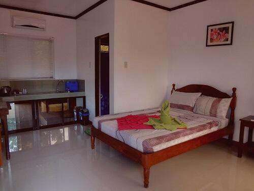 Queen Room Hotel B01 - Puerto Princesa