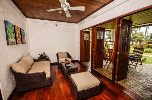 Woonkamer Junior Suite Resort L11 Underground River Omgeving - Puerto Princesa, Palawan, Filipijnen
